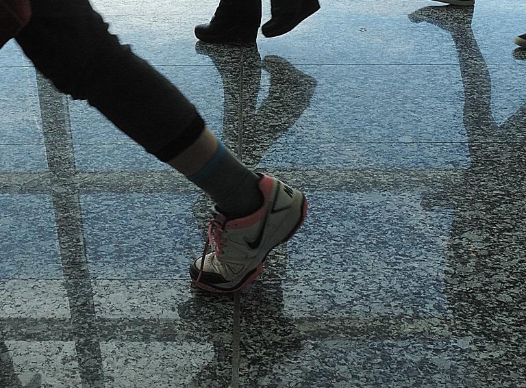 pies en el aeropuerto (13)